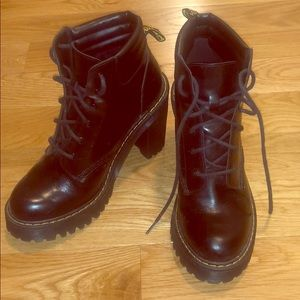 Doc Martin heeled bootie size 7M black
